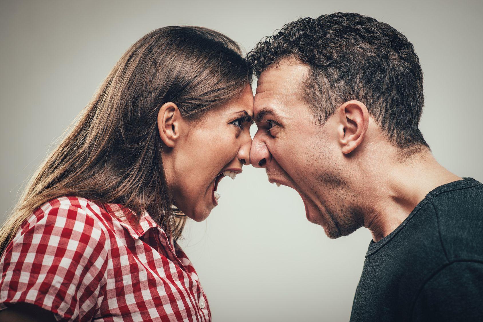 Агрессия супругов